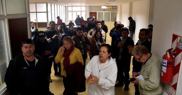 Trabajadores del Puerto ocupan el Ministerio de Trabajo por subsidios
