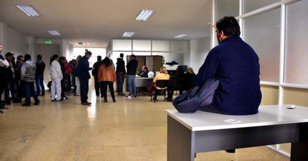 Tras ocho horas, los trabajadores desocuparon el Ministerio de Trabajo
