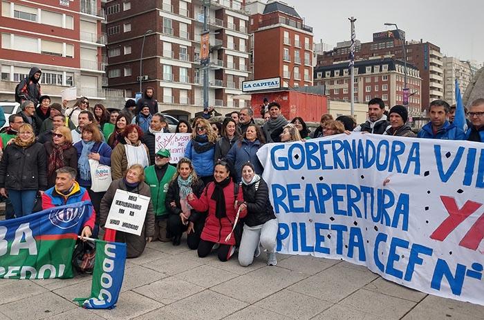 Nueva manifestación por la reapertura de la pileta del CEF N°1