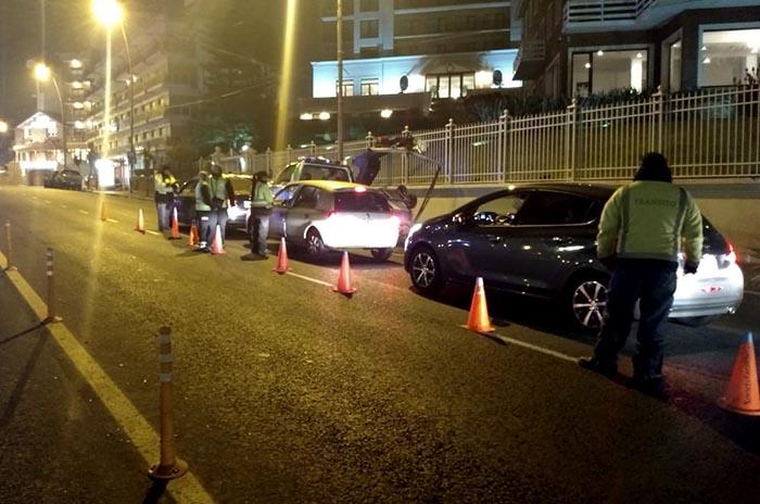 Seis autos secuestrados tras un operativo de Tránsito en la costa