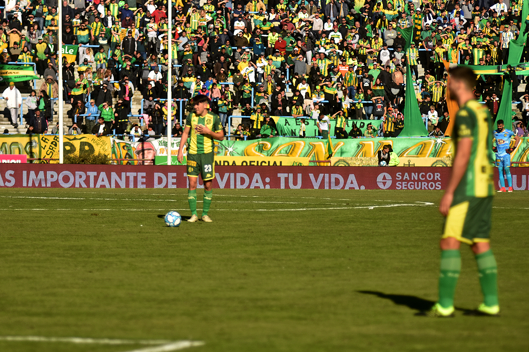 Aldosivi va por su primer triunfo frente a Atlético Tucumán