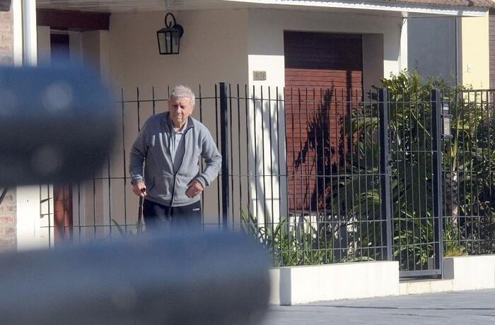 Juicio Monte Peloni –  Alberto Balquinta sale de su casa 01