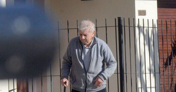Apartan a represor de un juicio por pedido médico, pero camina por la calle