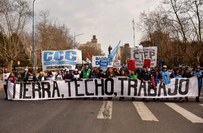 MARCHA ORGANIZACIONES SOCIALES CCC CTEP  (9)