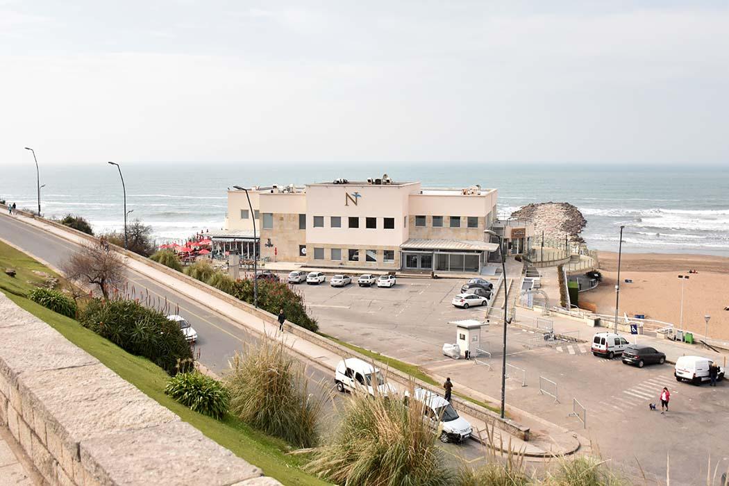 El espacio público de Playa Grande, nuevamente en la mira