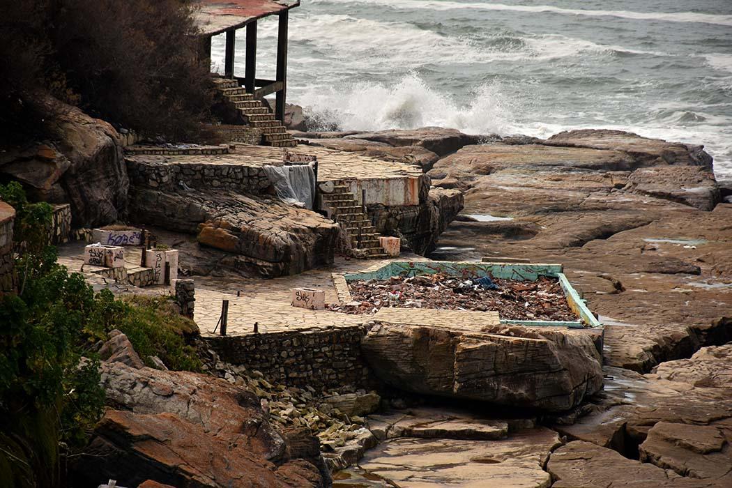 Playa Chica: a un año de la demolición, preocupa el estado de abandono