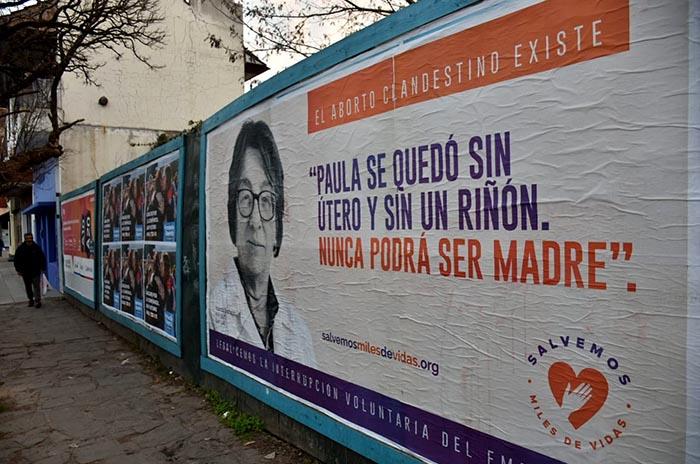 """""""Salvemos miles de vidas"""": médicos, contra el aborto clandestino"""