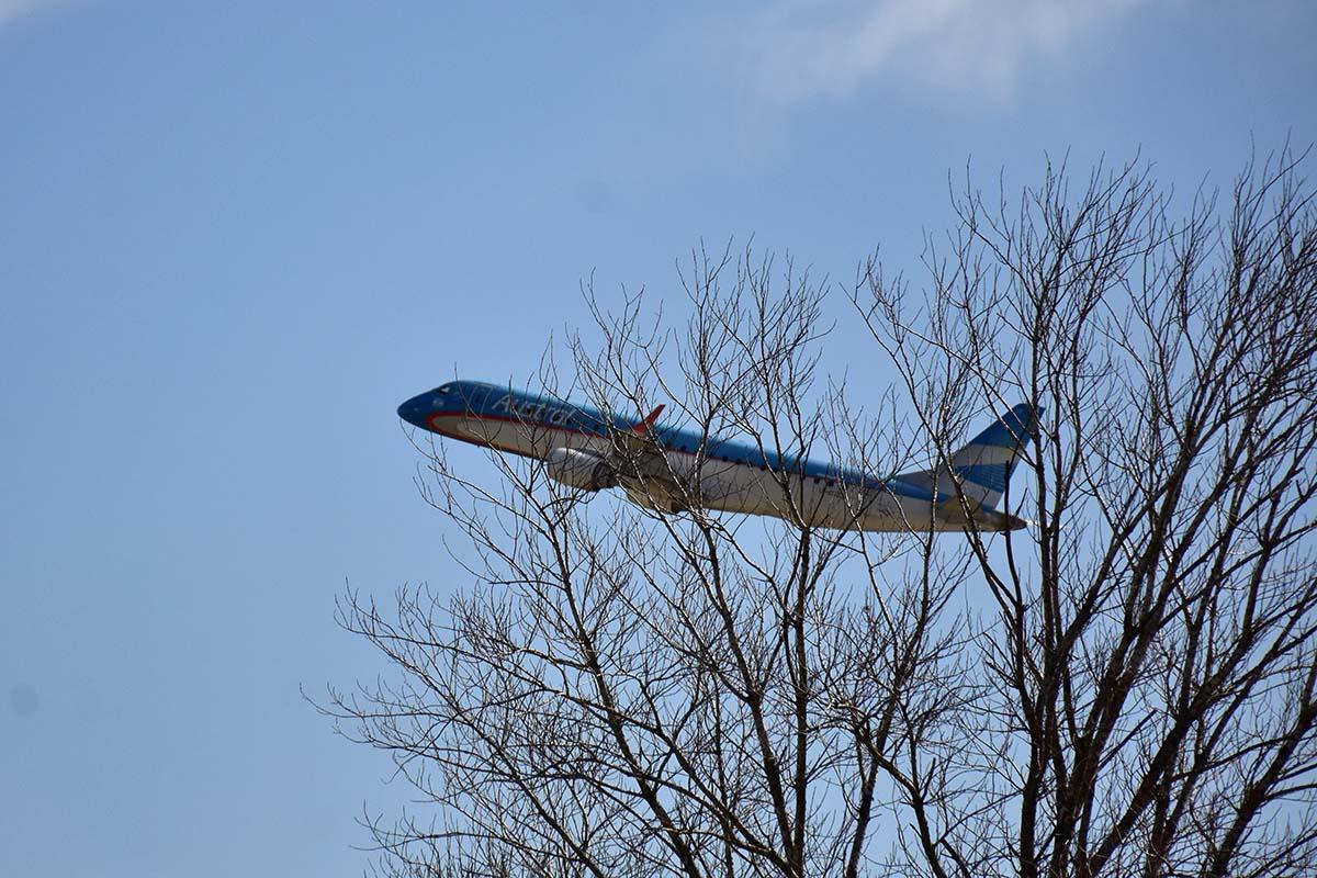 Transporte: planean retomar vuelos regulares en algunas rutas en los próximos días