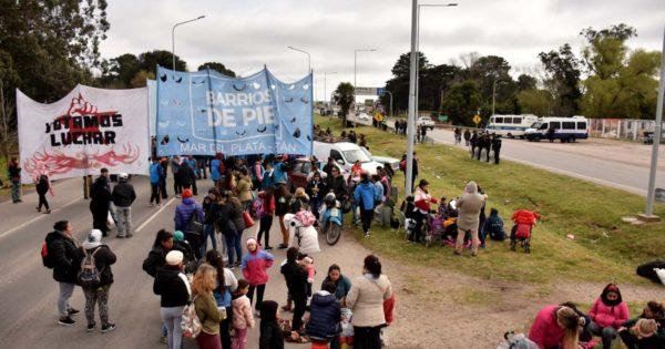Corte parcial y protesta de organizaciones sociales en la Ruta 2