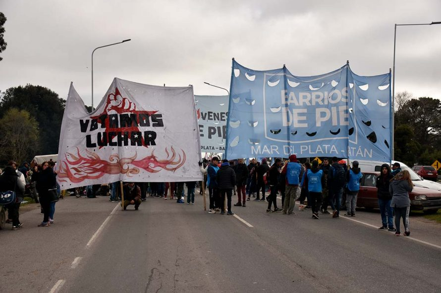 CORTE PARCIAL RUTA 2 ORGANIZACIONES SOCIALES BARRIOS DE PIE VOTAM,OS LUCHAR POLICIA (13)