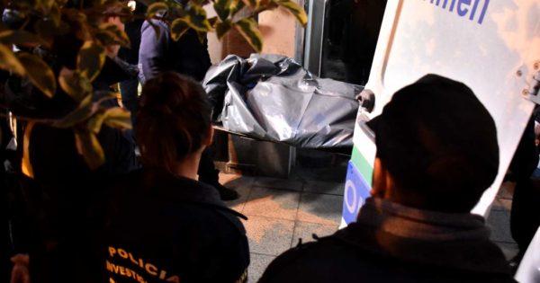 Encuentran a una mujer muerta en un departamento del centro