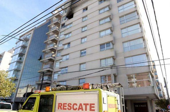 Incendio en un departamento del centro: una mujer muerta y dos heridos