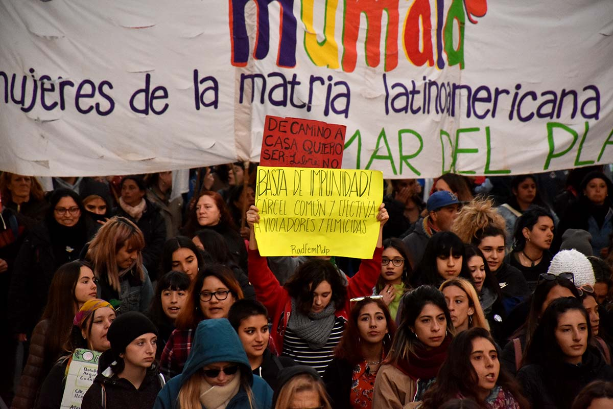 En la primera mitad del año hubo 143 femicidios: 80 de ellos durante la cuarentena