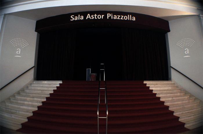 """Teatro Auditorium: trabajadores en alerta denuncian """"desinversión"""""""