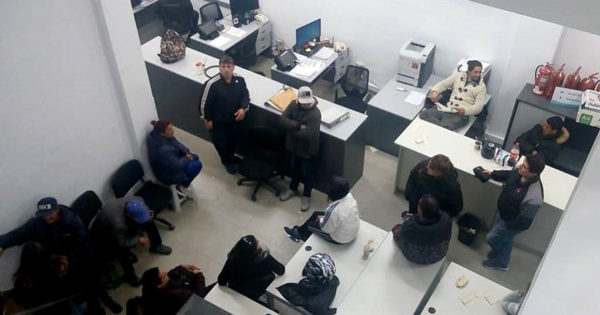 Trabajadores del Puerto toman la sede local de la Secretaría de Trabajo de la Nación