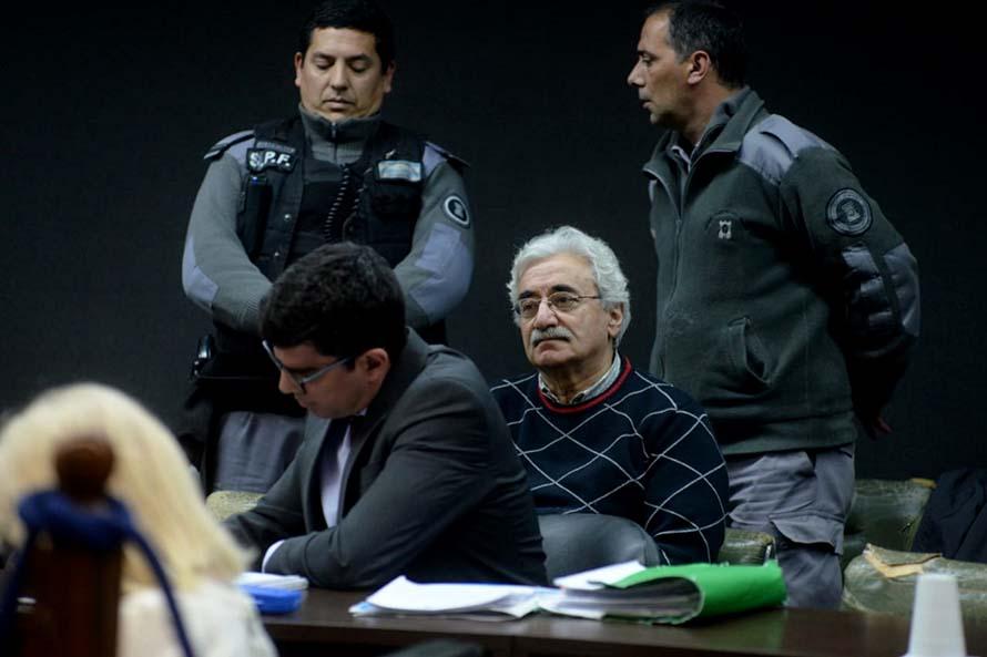 CNU: mientras sigue el juicio, prorrogan la prisión preventiva de Ullúa