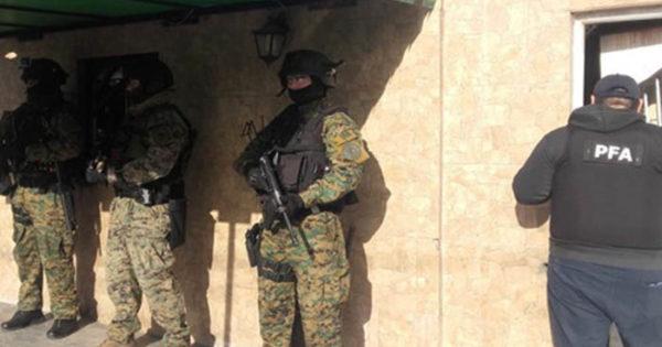 Vendían drogas y usaban un kiosco como fachada: detenidos