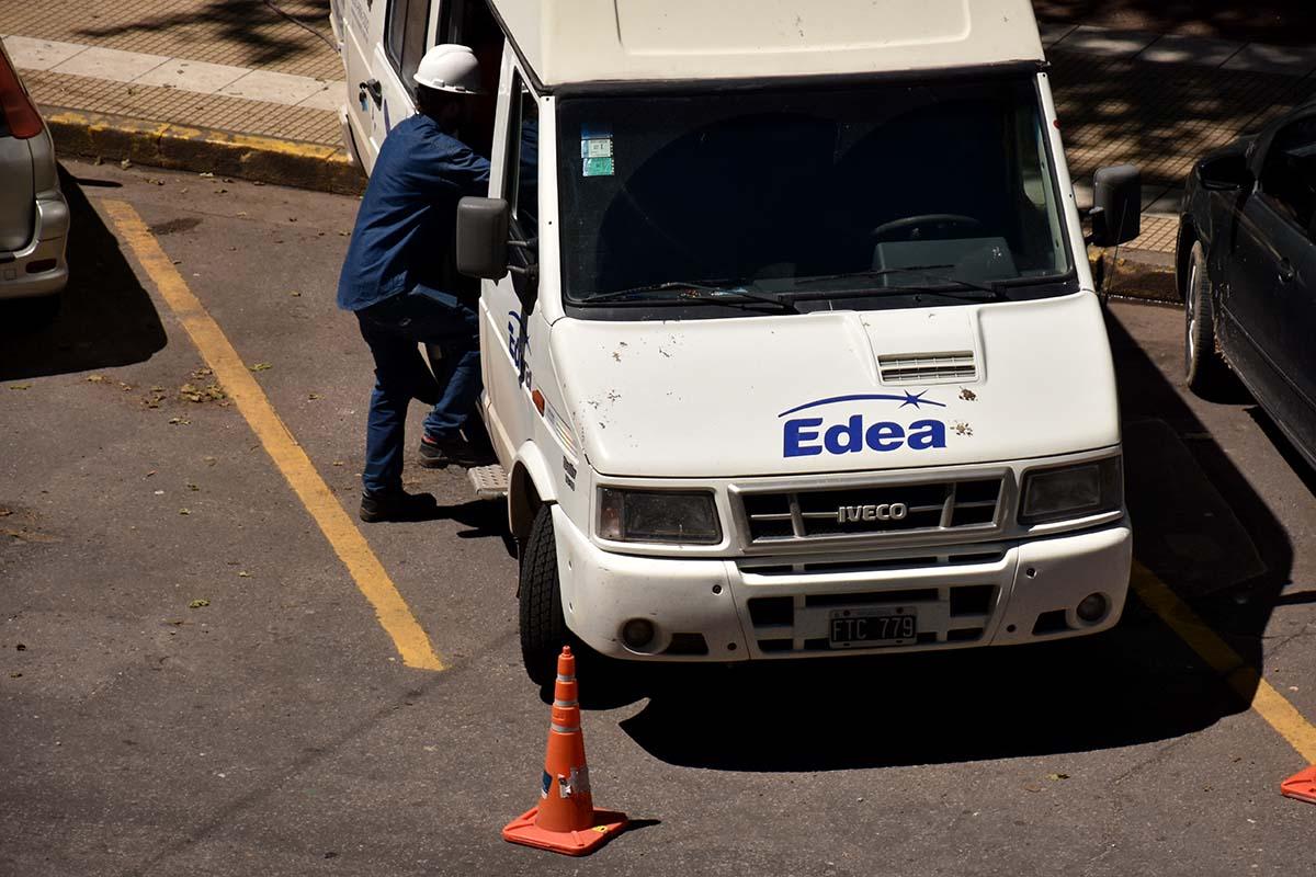 La Defensoría reclama el cese de los cortes de luz por falta de pago