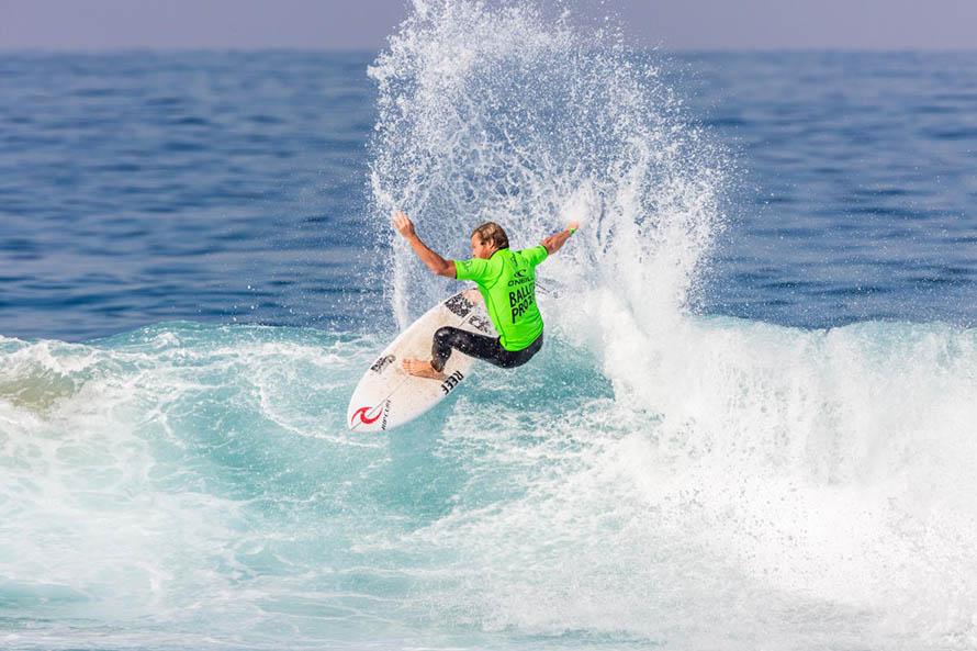 Surf: Leandro Usuna llegó hasta la tercera ronda en el Vans Pro