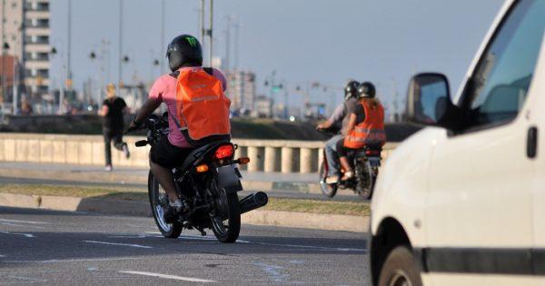 """Robos con motos: un informe desestima la utilidad de la ley de """"patentamiento"""""""