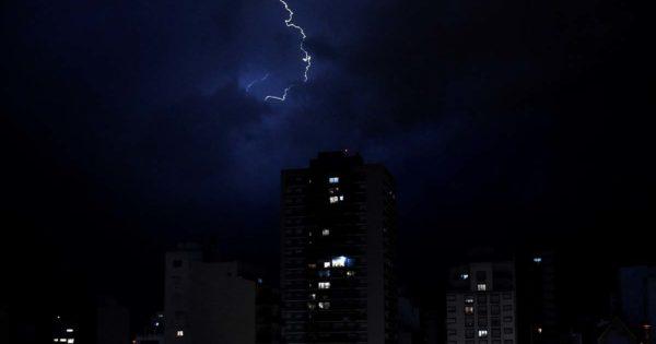 Emiten un alerta a corto plazo por lluvias y tormentas fuertes en Mar del Plata