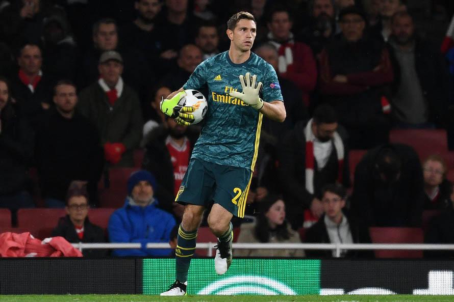 Con el marplatense Emiliano Martínez, el Arsenal inglés volvió a los entrenamientos
