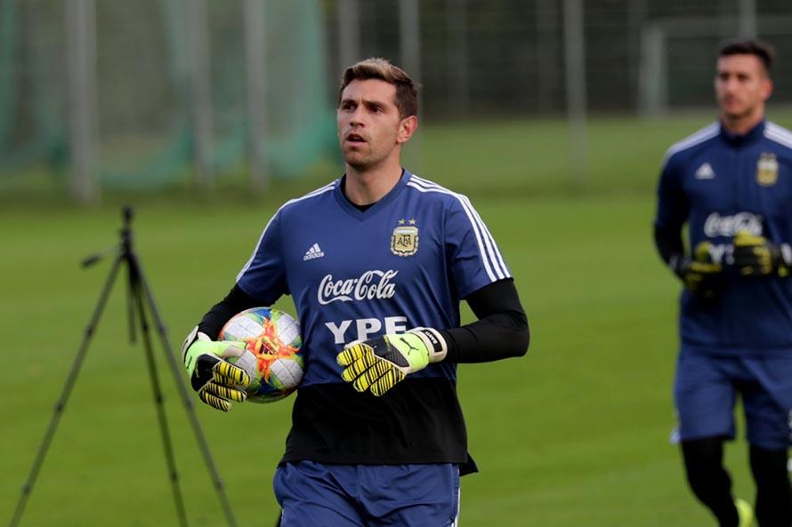 Emiliano Martínez vuelve a ser convocado a la Selección Argentina