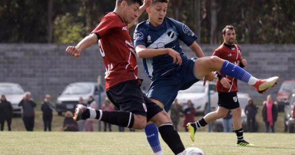 Fútbol local: partidos cerrados y definiciones por penales en los octavos de final