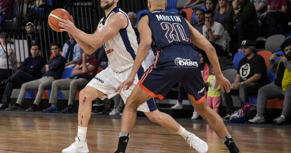 Peñarol perdió contra Bahía Basket en un partido increíble