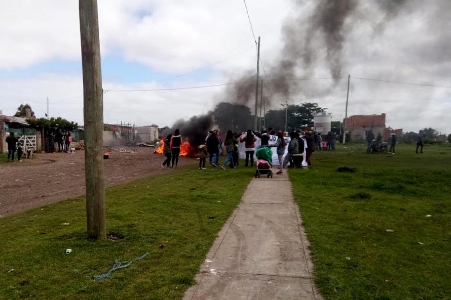 Vecinos y familiares se manifestaron a una semana del crimen de Lucas Miracco