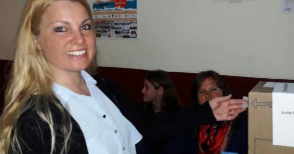 Votó Zizmond: la candidata del Frente NOS se mostró contenta por la elección