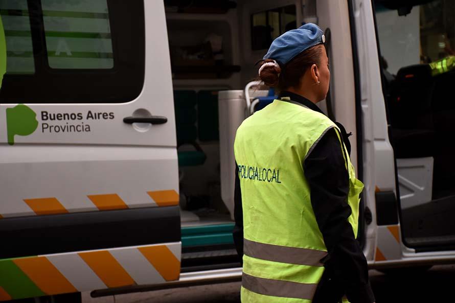 Un joven herido tras un choque entre un auto y una moto en Salta y Larrea
