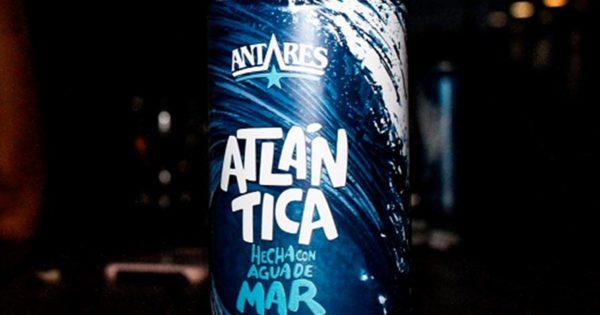 Presentan la primera cerveza elaborada a partir de agua de mar