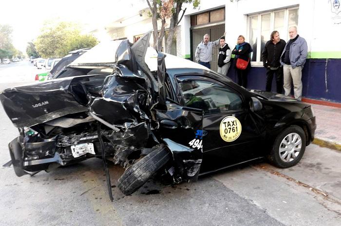 Empezaron a juzgar al joven que robó un auto, chocó y mató a un taxista