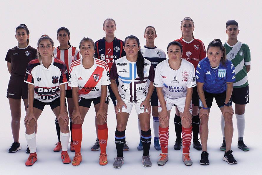 El fútbol femenino profesional se une al Día Contra la Violencia de Género