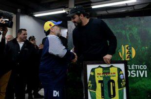 Los clubes mostraron sus condolencias ante el fallecimiento de Diego Maradona