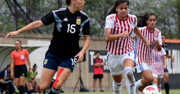 Fútbol femenino: Menéndez y Delgado, presentes en la victoria de Argentina ante Paraguay