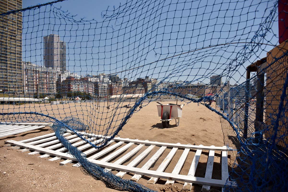 Insólito: volvieron a cerrar el paso a la playa del Paseo Hermitage