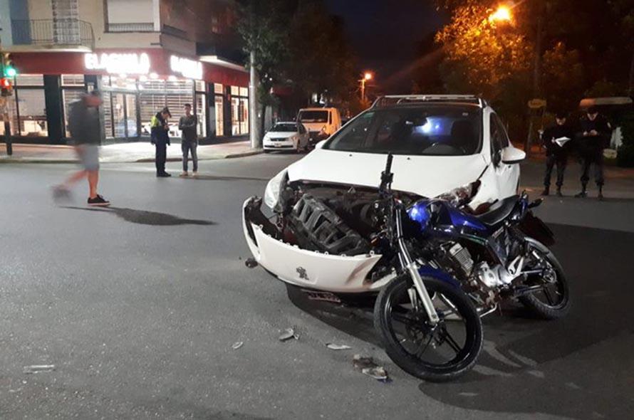 Un motociclista murió tras un fuerte choque en la avenida Juan B. Justo
