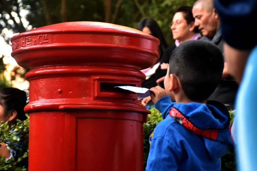 Navidad en la Plaza San Martín: ya se puede dejar la carta a Papá Noel