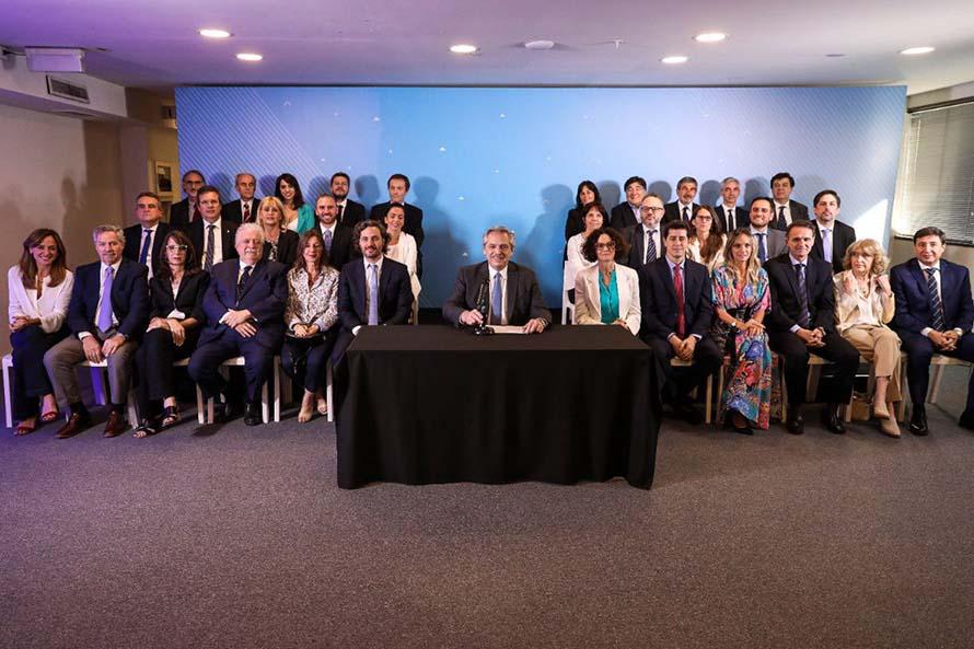 Alberto Fernández presentó su gabinete, con nuevos ministerios