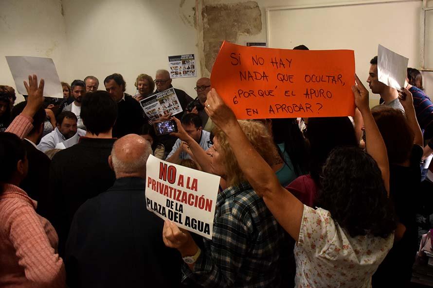 Plaza del Agua: vecinos frenaron el apuro de los concejales en las comisiones