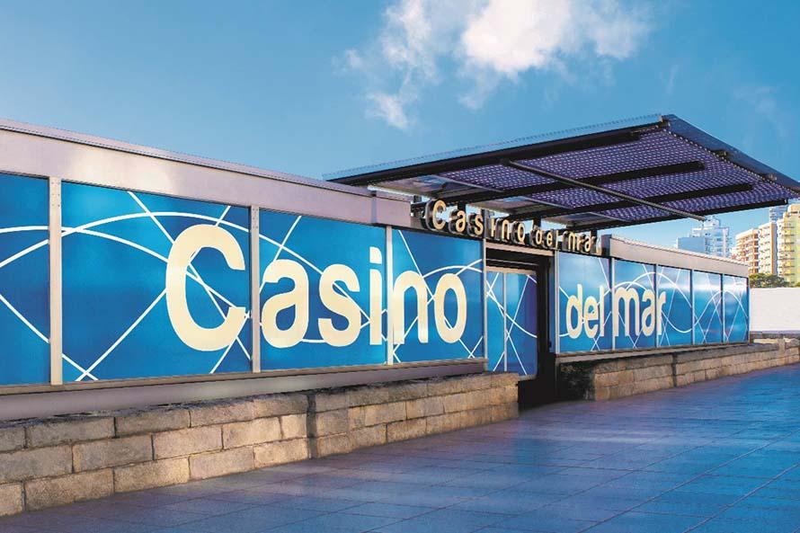 Tras 16 meses clausurado y el acuerdo con Aldrey Iglesias, reabrió el Casino del Mar