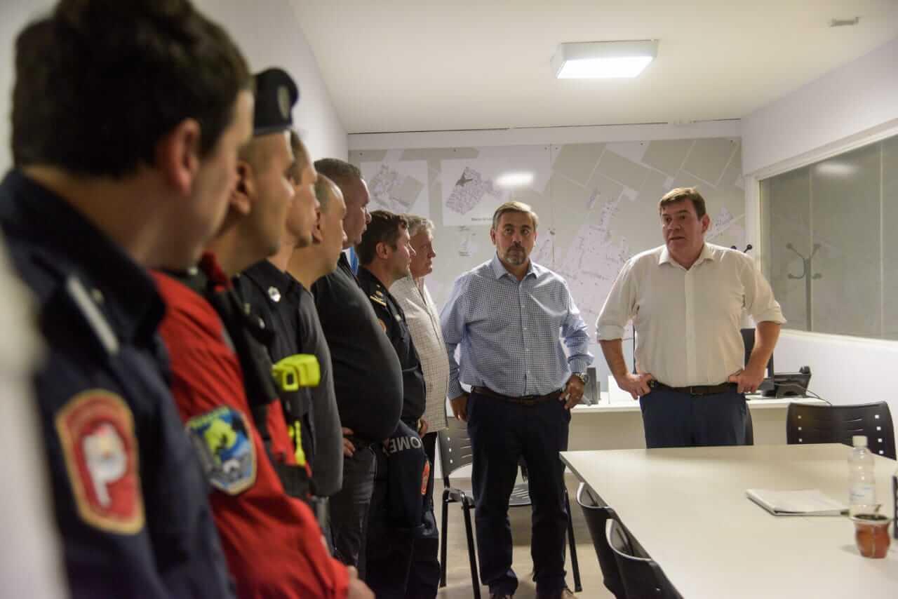 Incendio de Torres y Liva: Montenegro felicitó a quienes participaron del operativo