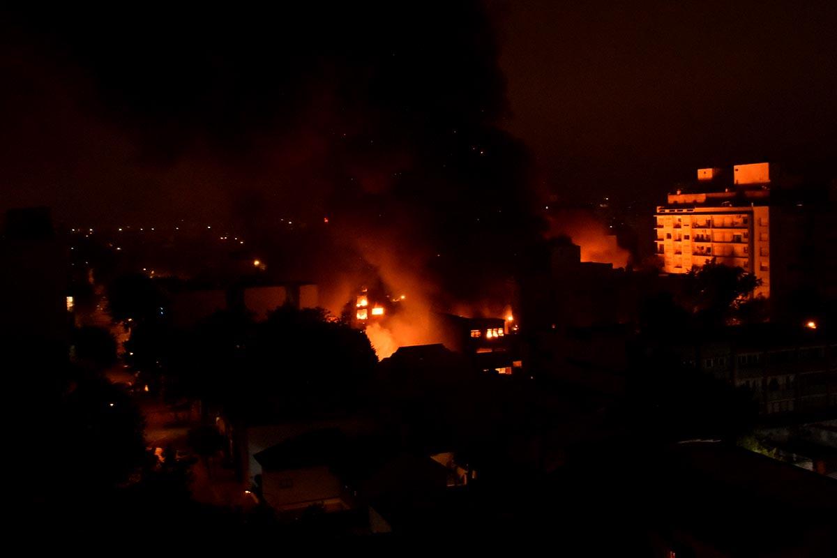 """""""Es un incendio de magnitudes considerables, como los peores que hemos tenido"""""""
