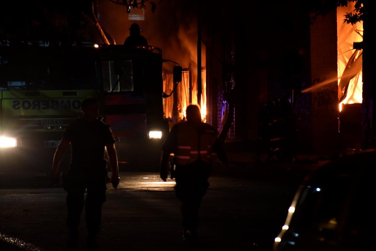 Incendio en Torres y Liva: protocolo de emergencia y edificios evacuados