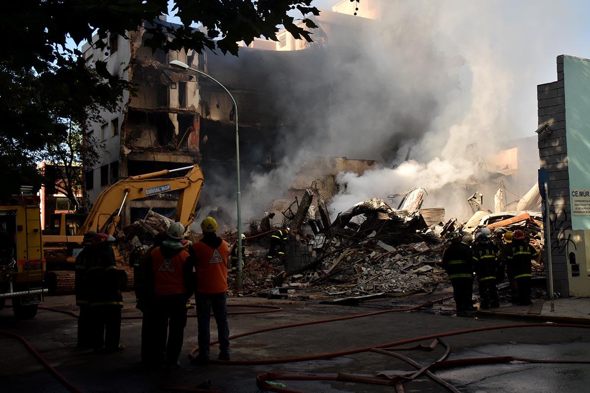 Tras ocho horas de tensión, controlaron el incendio