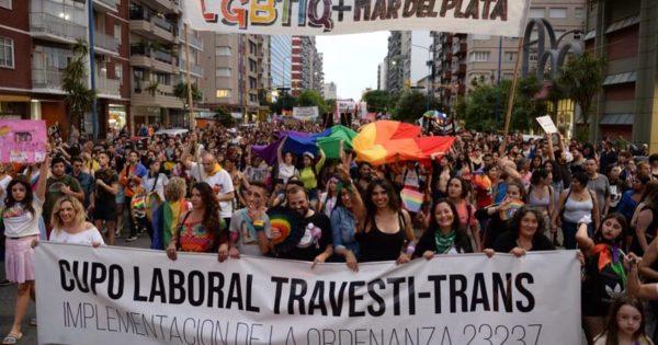 Color, alegría y pedidos a los nuevos gobiernos, en una nueva Marcha del Orgullo