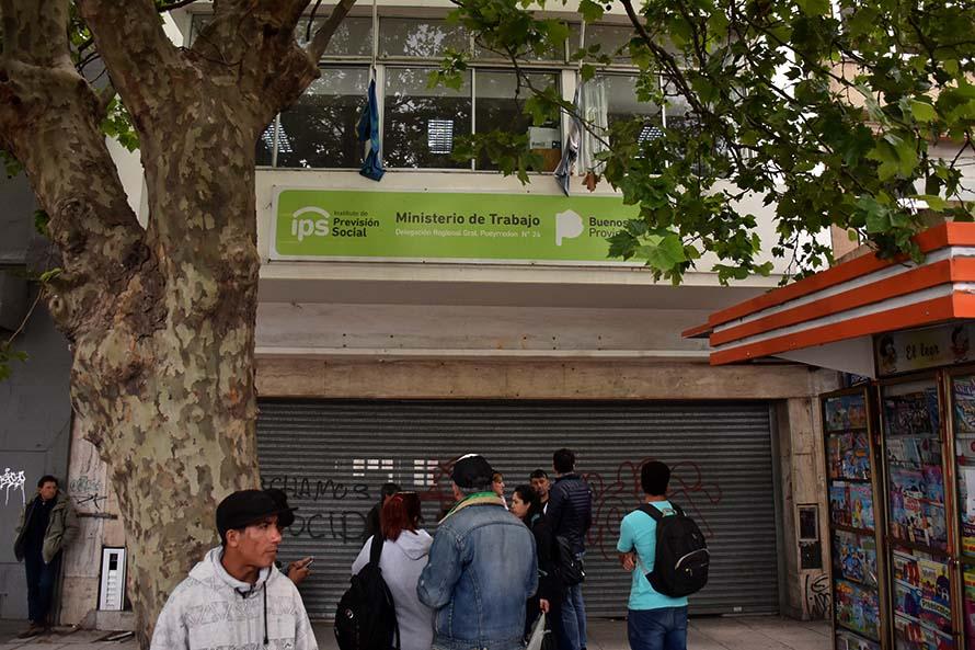 """Levantaron la toma del Ministerio: """"Volveremos con las nuevas autoridades"""""""