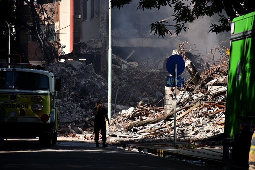 Incendio en Torres y Liva: siguen los trabajos y el relevamiento de afectados